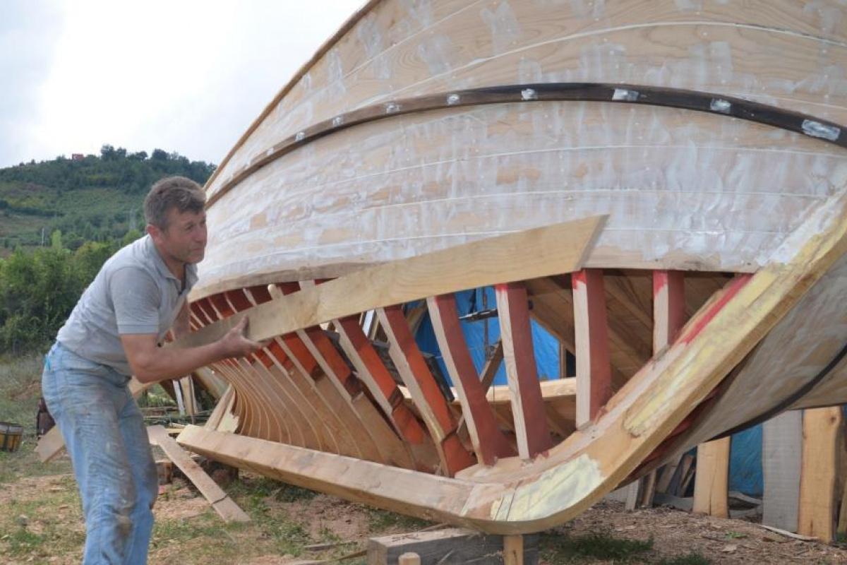 38 yıldır ahşap tekne üretiyor